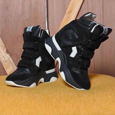 BALSKEE BLACK SNEAKERS...