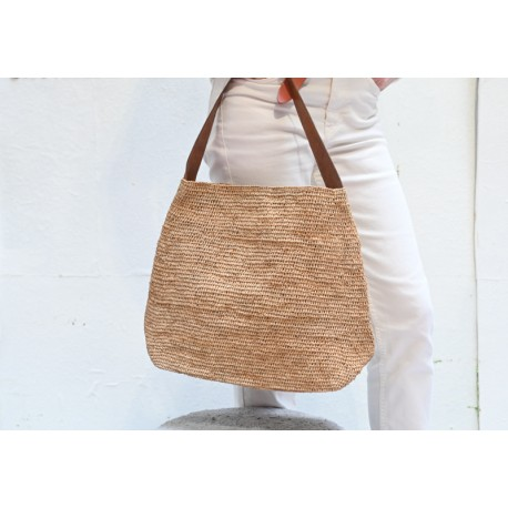 IBELIV LAPA tea beige woven raffia shoulder bag & brown leather handle